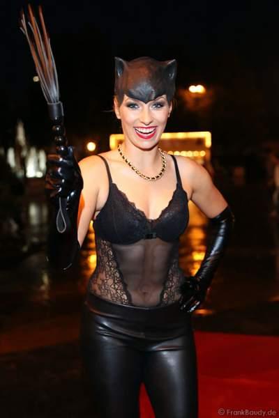 Als Catwoman kam Moderatorin Annica Hansen zur Horror Glam Night 2014