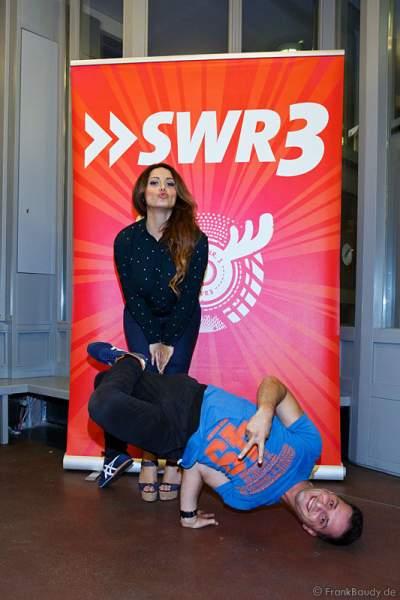 Enissa Amani und Özcan Cosar beim SWR3 Comedy-Campus
