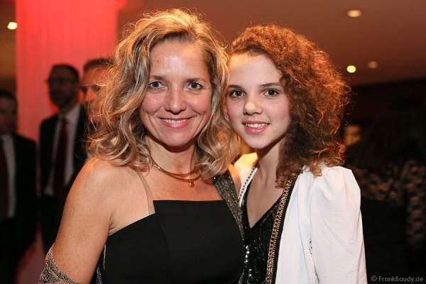 Herzogin Iris Caren von Württemberg mit Tochter Sylvie