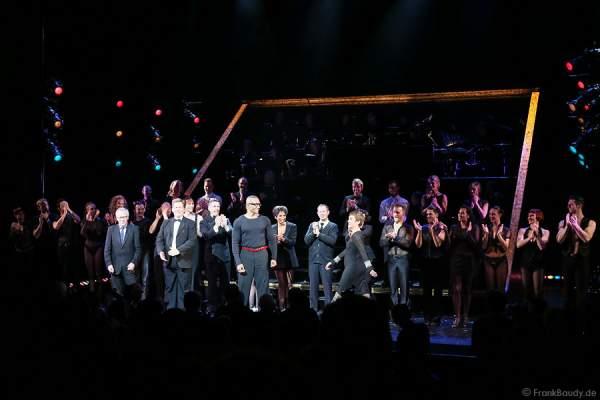 Schlussapplaus bei der Premiere von Chicago