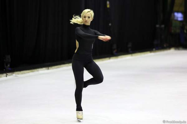 Annette Dytrt bei Holiday on Ice