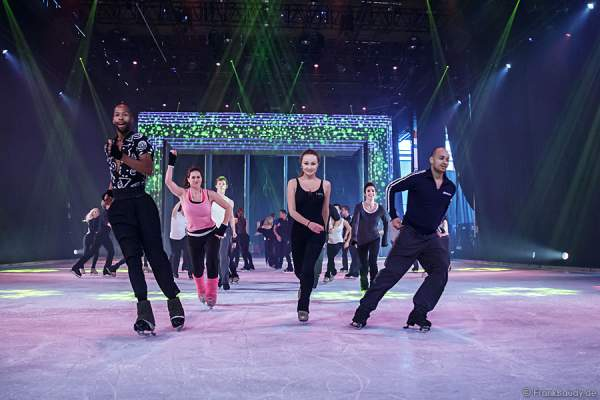 Das PASSION-Ensemble von Holiday on Ice bei den Proben