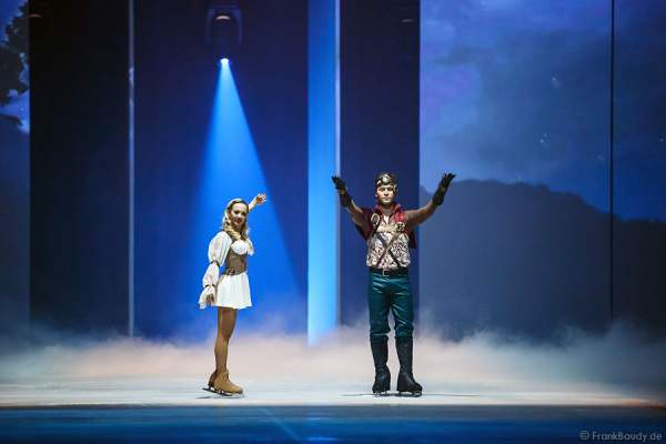 Annette Dytrt und Timofey Obleukhov bei Holiday on Ice PASSION
