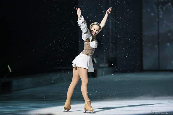 Annette Dytrt bei Holiday on Ice PASSION