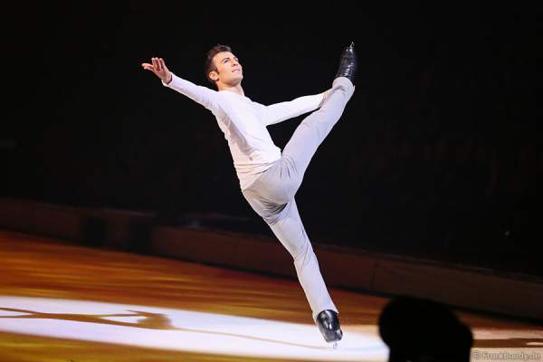 Michael Solonoski bei Holiday on Ice PASSION
