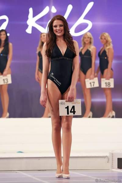 Elena Kilb im Badeanzug, Miss Süddeutschland 2015 bei der Miss Germany 2015 Wahl im Europa-Park