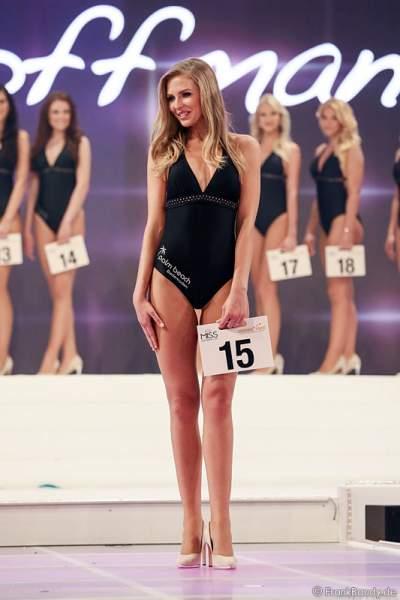 Olga Hoffmann - Miss Germany 2015 - im Badeanzug