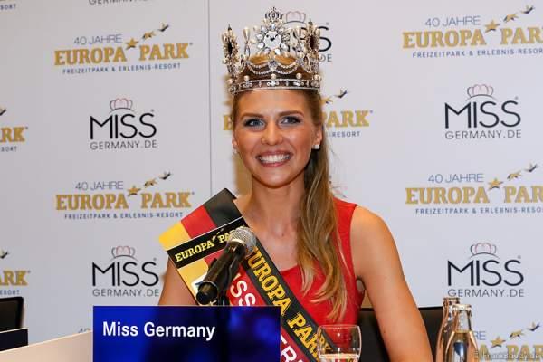 Siegerin Olga Hoffmann - Miss Germany 2015 bei der Pressekonferenz