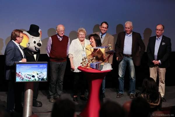 Für langjährige Begleiter des Europa-Park gab es eine Ehrung mit Pokal und Bildband