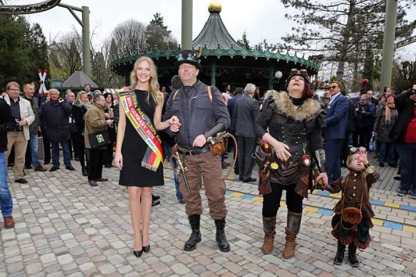 Tutursula von Ungefähr, Olga Hoffmann - Miss Germany 2015 und Pierre de Vapeur im Steampunk-Look