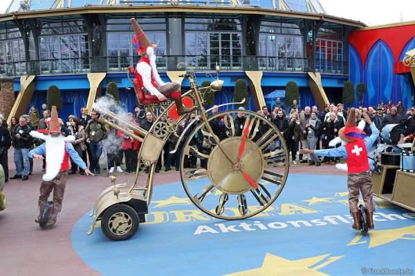 Die neuen Paradewagen im Steampunk-Look im Europa-Park 2015