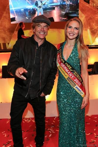 Campino (bürgerlich Andreas Frege) und Miss Germany 2015 Olga Hoffmann beim PRG LEA - Live Entertainment Award 2015 (LEA Award)