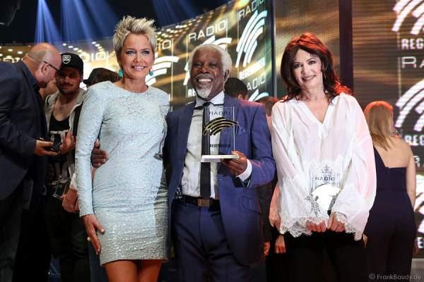 Inka Bause, Billy Ocean und Iris Berben beim Radio Regenbogen Award 2015