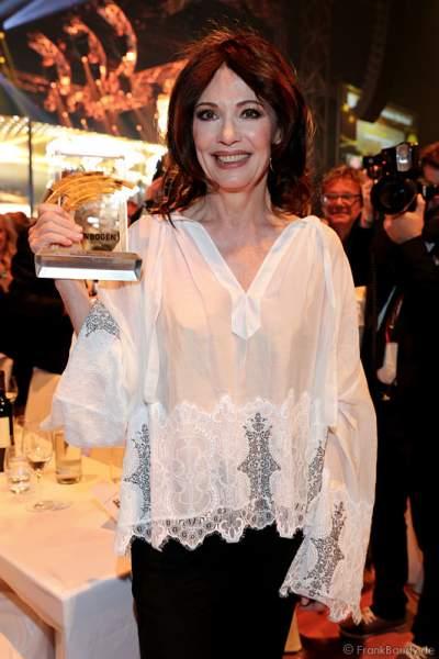 Iris Berben erhält den Radio Regenbogen Award 2015