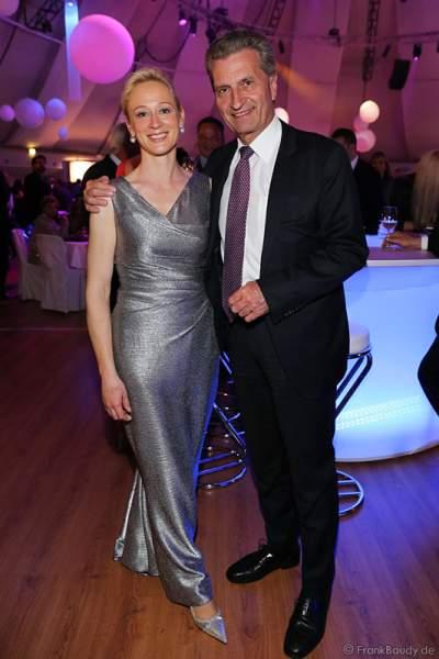 Günther Oettinger mit Lebensgefährtin Friederike Beyer bei der After-Show-Party des Radio Regenbogen Award 2015