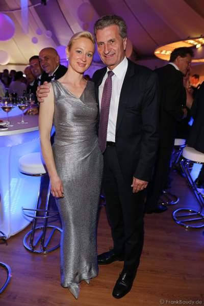Günther Oettinger mit Lebensgefährtin Friederike Beyer beim Radio Regenbogen Award 2015