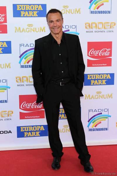 Hannes Jaenicke auf dem roten Teppich beim Radio Regenbogen Award 2015