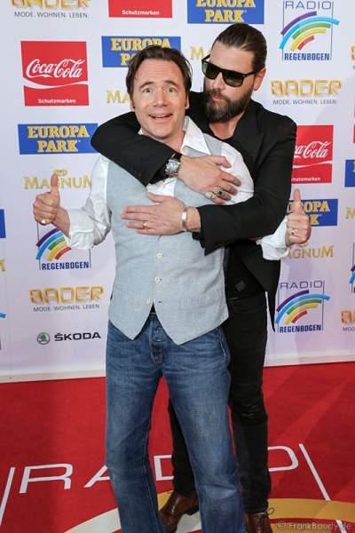 """Michael """"Bully"""" Herbig und Rea Garvey beim Radio Regenbogen Award 2015"""