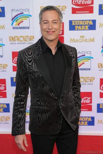 Thomas Hermanns auf dem roten Teppich beim Radio Regenbogen Award 2015
