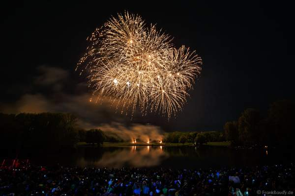 Feuerwerk bei Rhein in Flammen - Bonn 2015