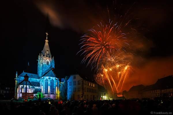 Feuerwerk (Feu d'artifice) beim Pfingstfest (Les Fêtes de Pentecôte) in Weißenburg (Wissembourg) 2015