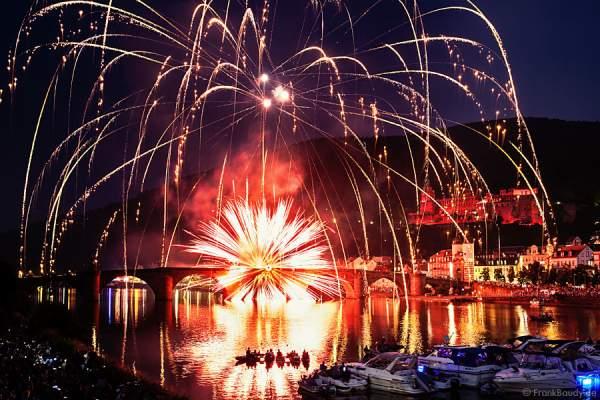 Feuerwerk bei der Heidelberger Schlossbeleuchtung 2015
