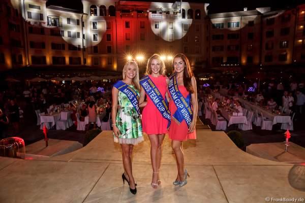 Das Gewinnerteam Nicola Koska, Olga Hoffmann und Sandra Kohns- 1. Europäischer Missen TEAM-Cup im Europa-Park
