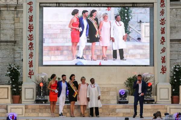 Die Jury Francek Prska, Babett Konau, Mauritia Mack und Prashant Prabhakar beim 1. Europäischen Missen TEAM-Cup im Europa-Park