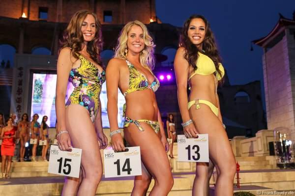Team Niederlande: Desirée Van Den Berg, Denice Van Den Berg, Sheryl Lynn Baas im Bikini und Badeanzug (v.l.n.r.)