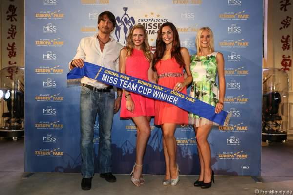 Marcus Schenkenberg, Olga Hoffmann, Sandra Kohns und Nicola Koska - 1. Europäischer Missen TEAM-Cup im Europa-Park