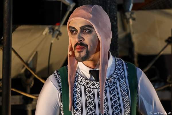 Radu Cojocariu als Erzähler bei Gemetzel - Nibelungen-Festspiele 2015 in Worms