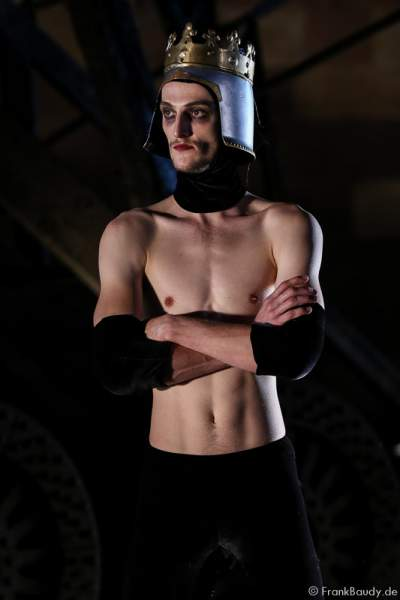 Jason Respilieux als Tänzer bei Gemetzel - Nibelungen-Festspiele 2015 in Worms