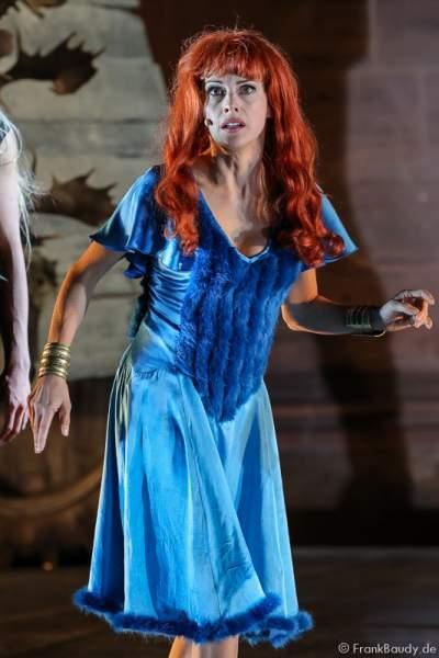 Judith Rosmair als Kriemhild bei Gemetzel - Nibelungen-Festspiele 2015 in Worms