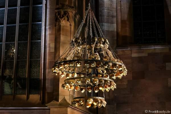 Totenschädel-Lampe bei Gemetzel - Nibelungen-Festspiele 2015 in Worms