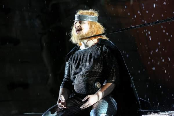 Holger Kunkel als König Gunter bei Gemetzel - Nibelungen-Festspiele 2015 in Worms