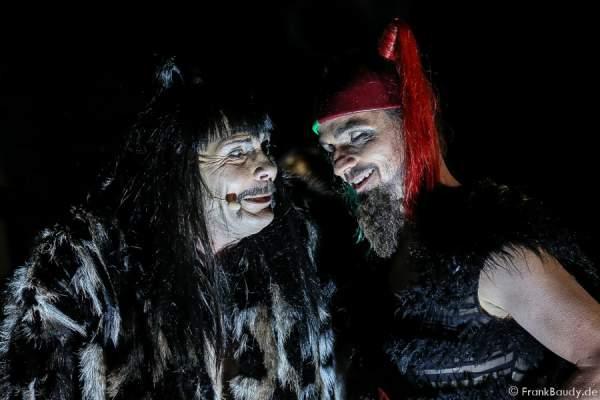 Markus Boysen als König Etzel und Maik Solbach als Narr bei Gemetzel - Nibelungen-Festspiele 2015 in Worms