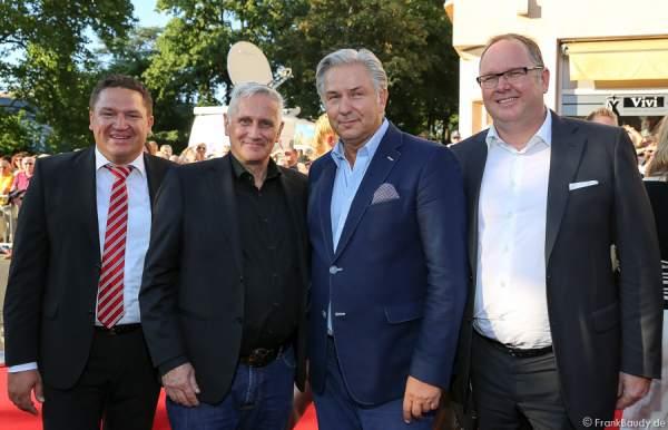 MdB Marcus Held, Joern Kubicki mit Lebenspartner Klaus Wowereit und Harald Christ (Vorsitzender des Vorstandes Finanzberatung der Postbank AG