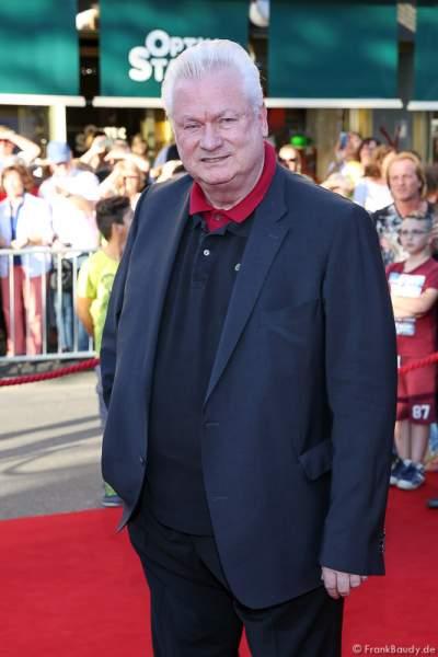 Dieter Schroth, Lebensgefährte von Harald Glööckler, auf dem roten Teppich bei der Premiere von Gemetzel - Nibelungen-Festspiele 2015 in Worms