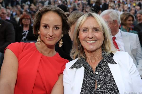 Diana Körner mit Tochter Lara Joy Körner bei der Premiere von Gemetzel - Nibelungen-Festspiele 2015 in Worms