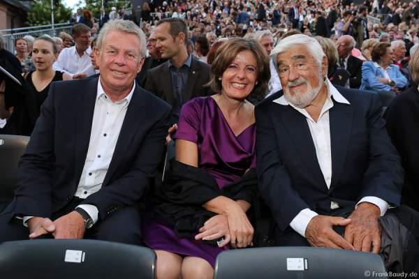 Oberbürgermeister Michael Kissel, Ministerpräsidentin Malu Dreyer und Mario Adorf bei der Premiere von Gemetzel - Nibelungen-Festspiele 2015 in Worms