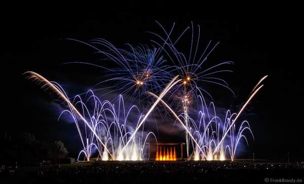 Wasserspiele, Feuerwerk bei Aquatique Show ALSACE - 70 Jahre Frieden - Art et Lumière, Furdenheim 2015