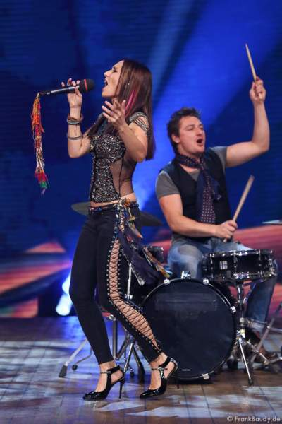 Bluma (Sängerin Jessica Sperlich) bei der Stadlshow 2015 in Offenburg