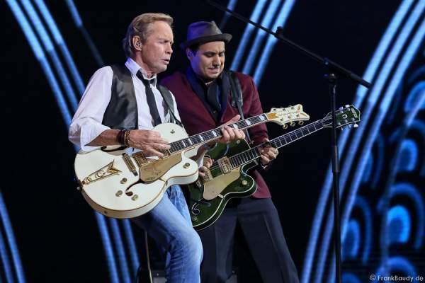 Peter Kraus rockt die Bühne bei der Stadlshow 2015 in Offenburg