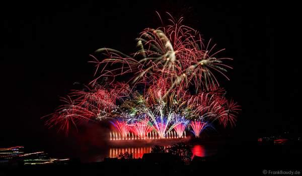 Farbenfrohes Feuerwerk in Oberwesel