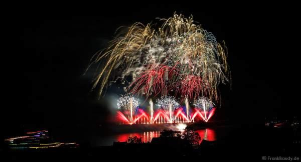 Feuerwerk bei Nacht der 1000 Feuer in Oberwesel 2015