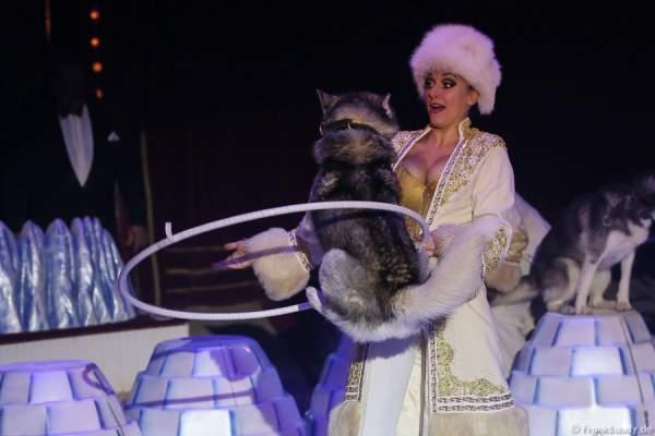 Die Saabel Familie mit ihrer Show Petersburger Schlittenfahrt bei Circus Roncalli-Salto Vitale