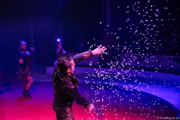 Jimmy Saylon bei Salto Vitale des Circus Roncalli
