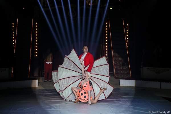 Duo Minasov mit Elena und Victor - Quick Change - Salto Vitale des Circus Roncalli