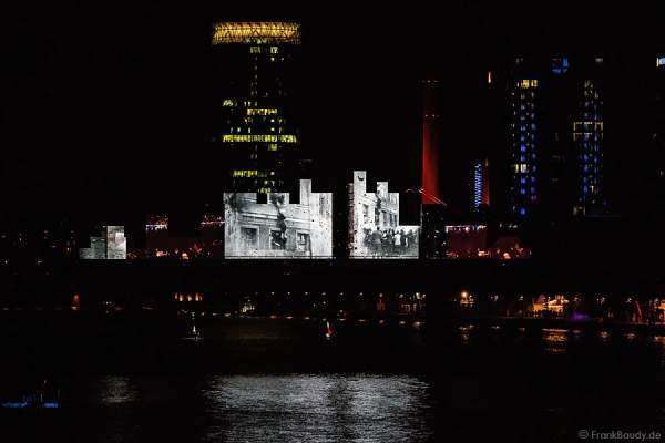 Historischer Rückblick auf LED-Leinwand bei der Abschlussshow von 25 Jahre Tag der Deutschen Einheit in Frankfurt 2015