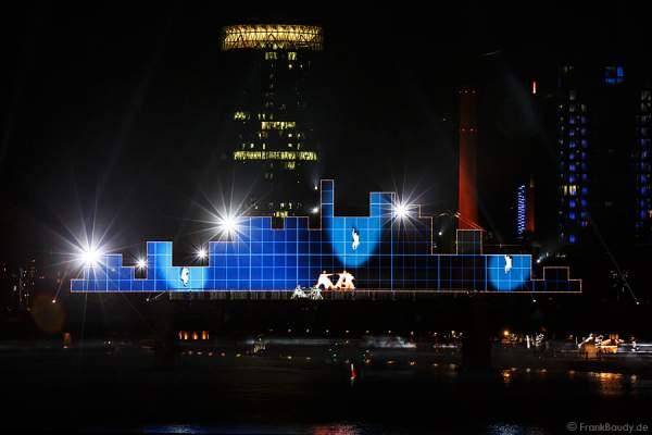 Tänzer und Performer bei Show am Main von 25 Jahre Tag der Deutschen Einheit in Frankfurt 2015